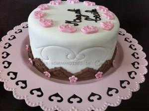 Le gâteau de mes 38 ans en blanc, rose et chocolat