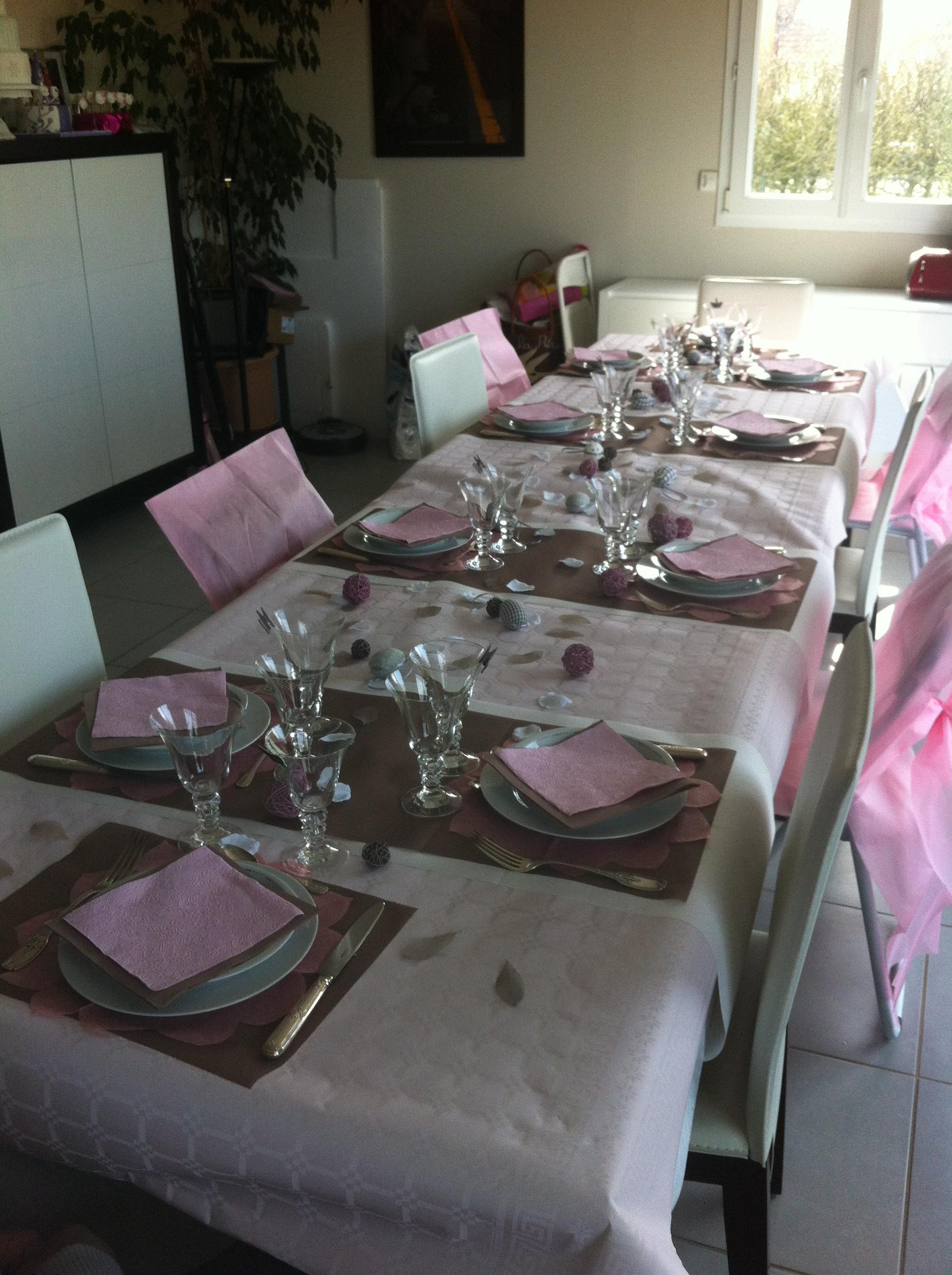 g teau d anniversaire blanc rose et chocolat les gourmandises de chani. Black Bedroom Furniture Sets. Home Design Ideas