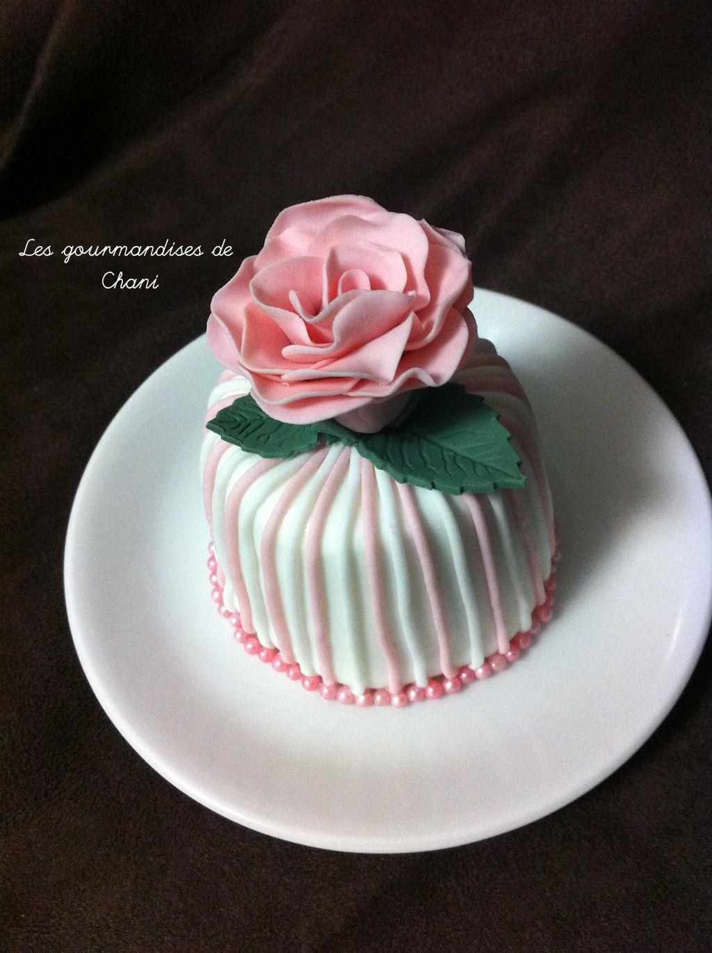 mini cake rose
