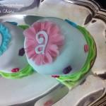 Gateau individuel rose turquoise anis et violet
