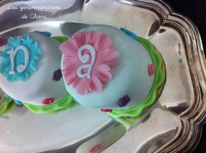 Gateau individuel rose turquoise anis et violet